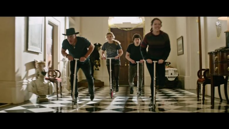 Razor Scooters in Zombieland: Double Tap (2019) - Movie Product Placement