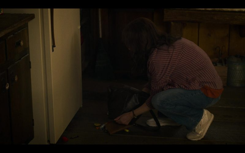 Reebok Sneakers Worn by Winona Ryder as Joyce Byers in Stranger Things (1)