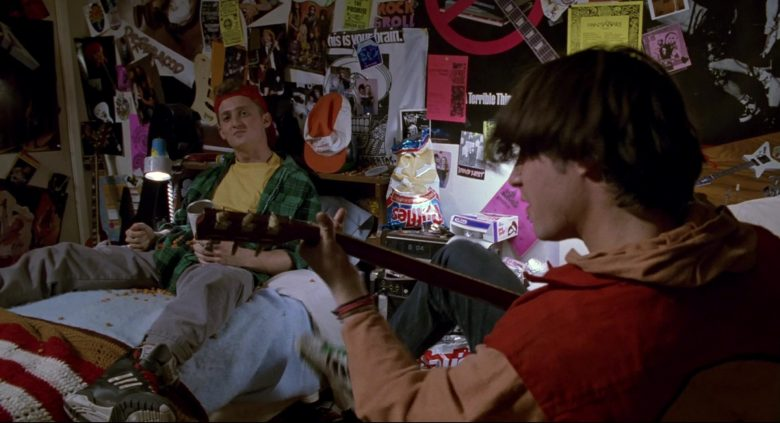 Ruffles Chips & Hostess CupCakes in Bill & Ted's Bogus Journey (1991) - Movie Product Placement