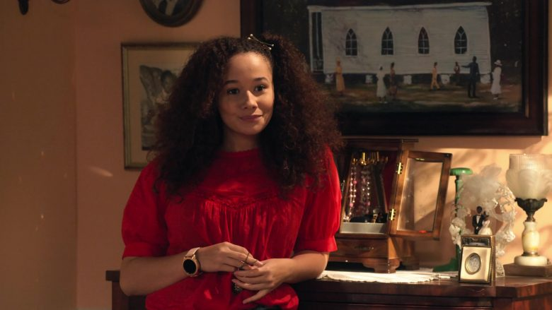 "Samsung Galaxy Gold Smartwatch Worn by Talia Jackson in Family Reunion - Season 1 Episode 9, ""Remember Black Elvis?"" (2019) - TV Show Product Placement"