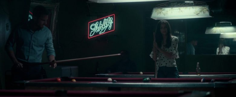 Schlitz Beer Neon Sign in Lying and Stealing (2019) - Movie Product Placement