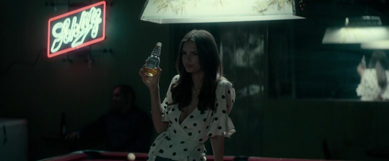 Schlitz Sign and Modelo Beer Enjoyed by Emily Ratajkowski in Lying and Stealing (2019) - Movie Product Placement