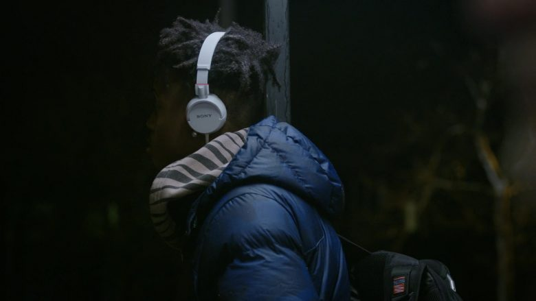Sony Headphones (White) in Orange Is the New Black - Season 7, Episode 12, The Big House (2019) - TV Show Product Placement