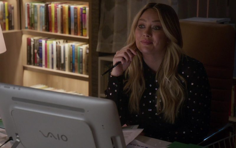 Sony Vaio All-In-One Computer Used by Hilary Duff in Younger (3)