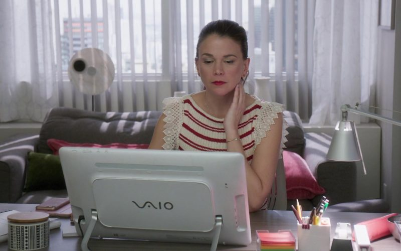 Sony Vaio All-In-One PC Used by Sutton Foster in Younger (1)