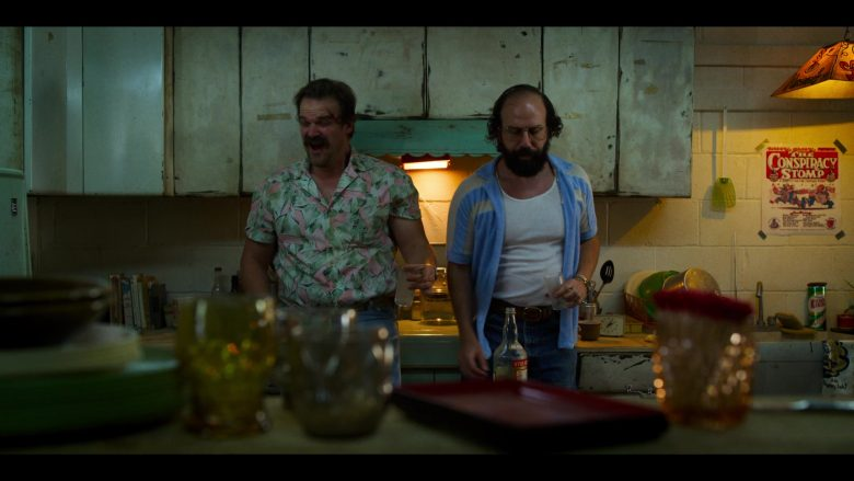 David Harbour, Brett Gelman are posing for a picture