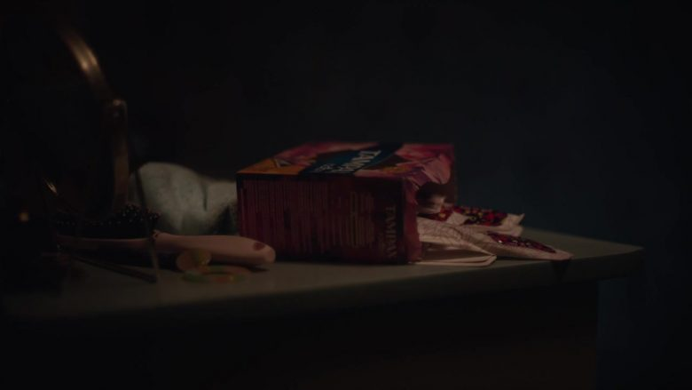 """Tampax in Euphoria - Season 1, Episode 6, """"The Next Episode"""" (2019) - TV Show Product Placement"""