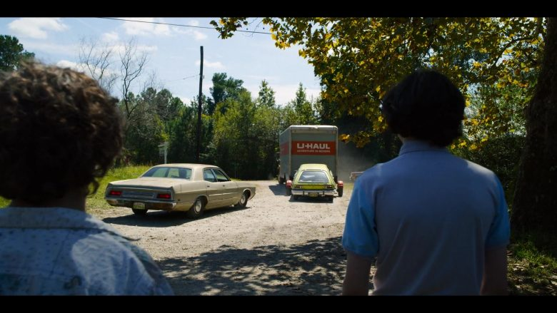 "U-Haul Truck in Stranger Things - Season 3, Episode 8, ""The Battle of Starcourt"" (2019) - TV Show Product Placement"