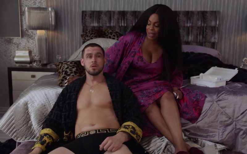 Jack Kesy, Niecy Nash are posing for a picture