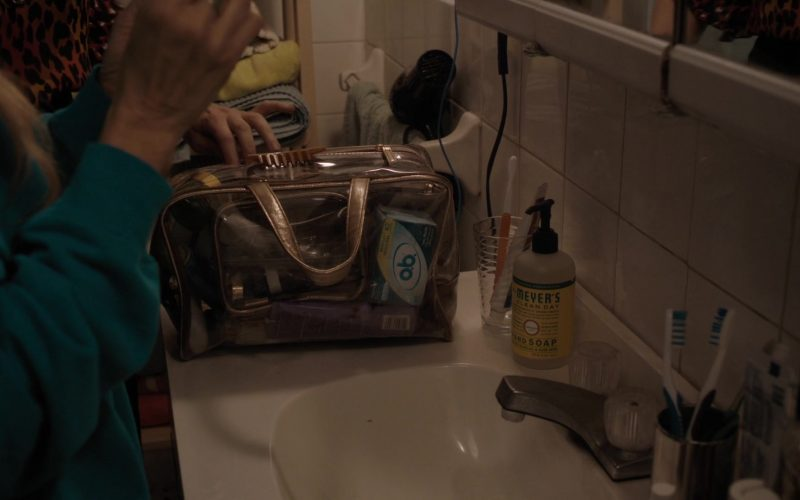 o.b. Tampons and Meyer's Clean Day Hand Soap in Divorce