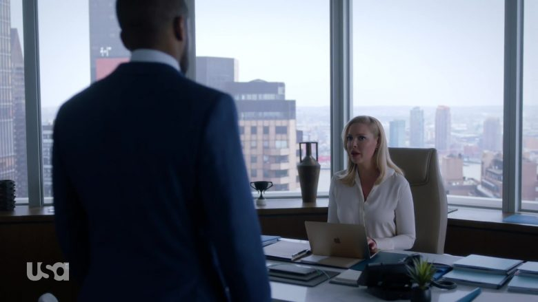 Apple MacBook Laptop Used by Katherine Heigl in Suits - Season 9, Episode 4, Cairo (2019) - TV Show Product Placement