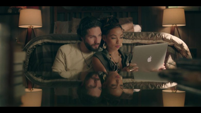 Apple MacBook Laptop Used by Logan Browning & John Patrick Amedori in Dear White People - Season 3, Episode 9 (2019) - TV Show Product Placement