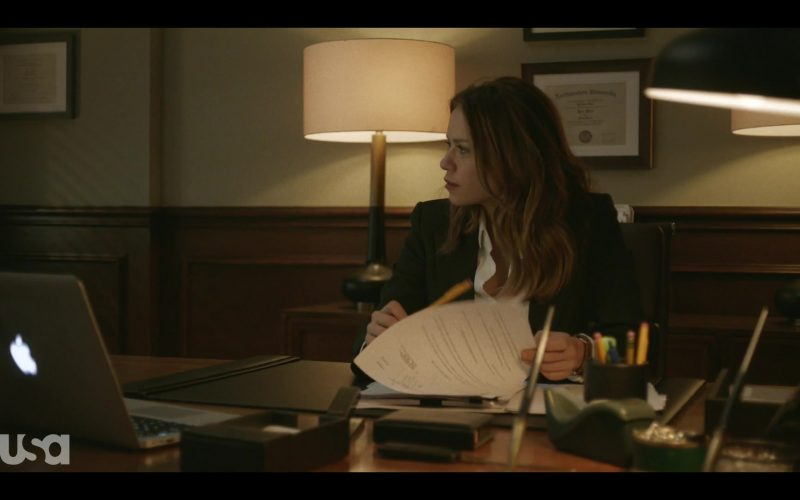 Apple MacBook Pro Laptop Used by Bethany Joy Lenz in Pearson (1)