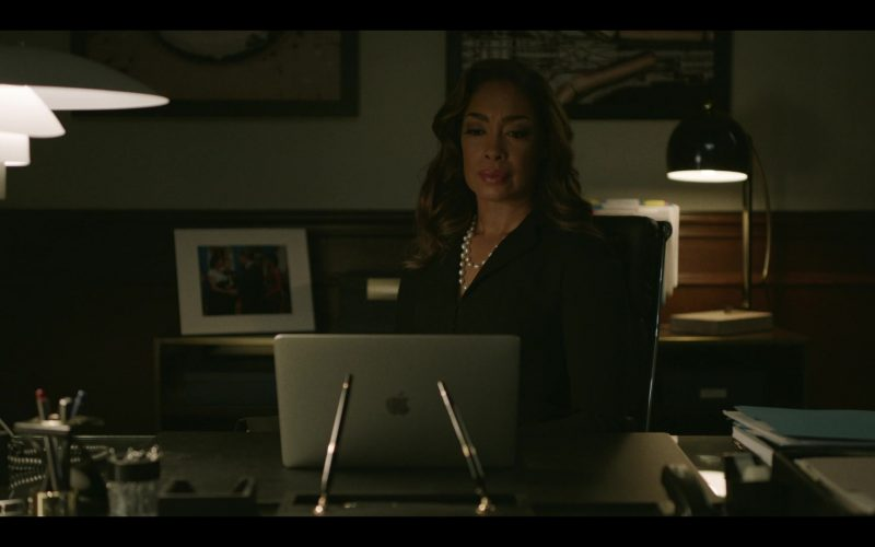 Apple MacBook Pro Laptop Used by Gina Torres in Pearson (2)