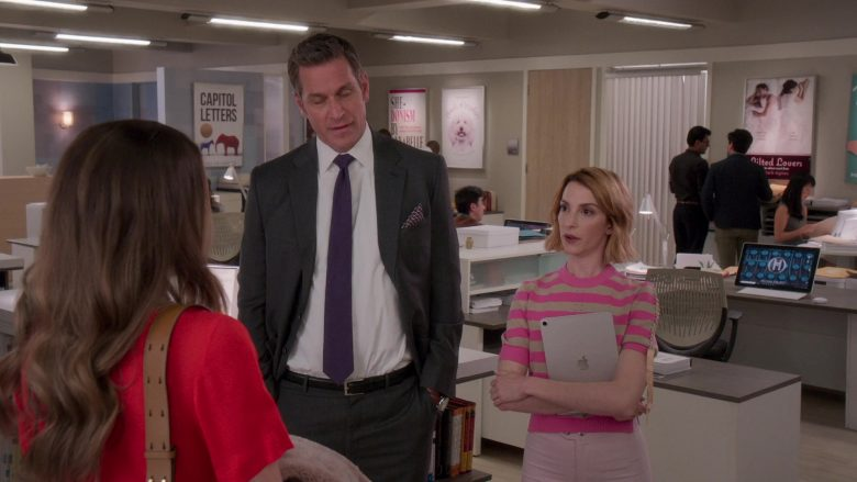 Apple iPad Tablet in Younger - Season 6, Episode 8, The Debu-taunt (2019) - TV Show Product Placement