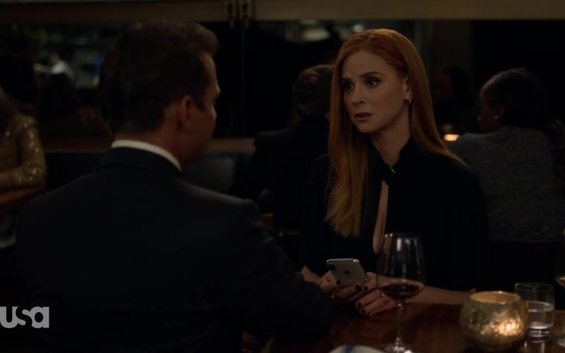 Apple iPhone Smartphone Used by Sarah Rafferty in Suits