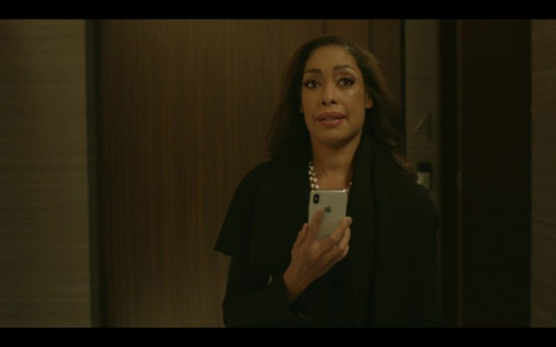 Apple iPhone Used by Gina Torres in Pearson (2)