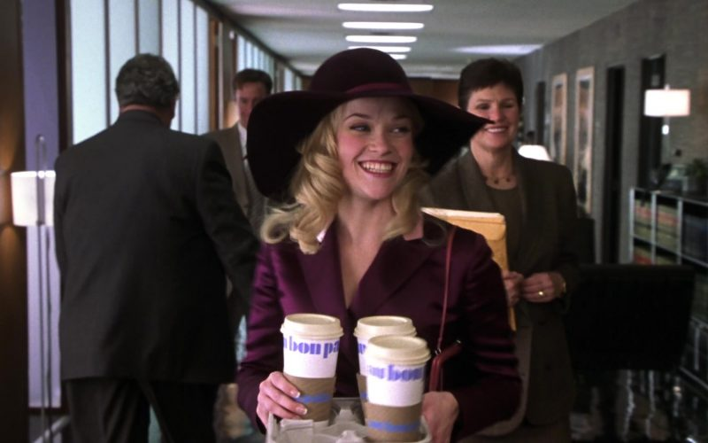 Au Bon Pain Cups Held by Reese Witherspoon as Elle Woods in Legally Blonde 2 (5)