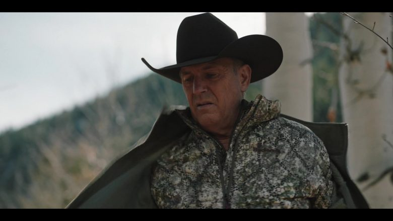 Badlands Sweater Worn by Kevin Costner in Yellowstone - Season 2, Episode 6, Blood the Boy (2019) - TV Show Product Placement