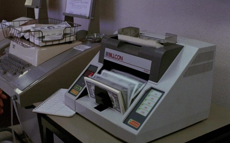 Billcon Money Counter in To Live and Die in L.A.