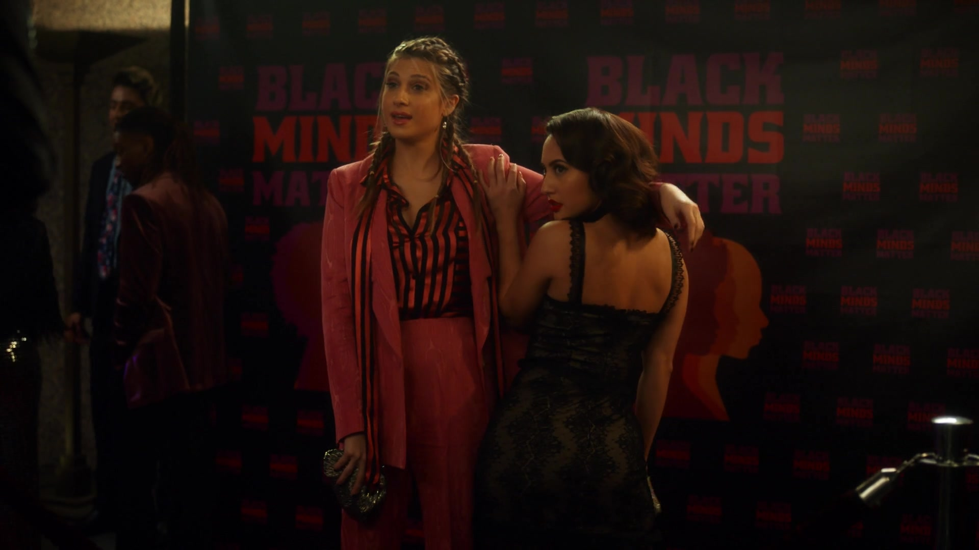 Grownish season 2 episode 20 Ana and Nomi