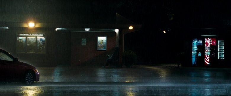 Dasani Water and Coca-Cola Vending Machines in Due Date (2010) Movie