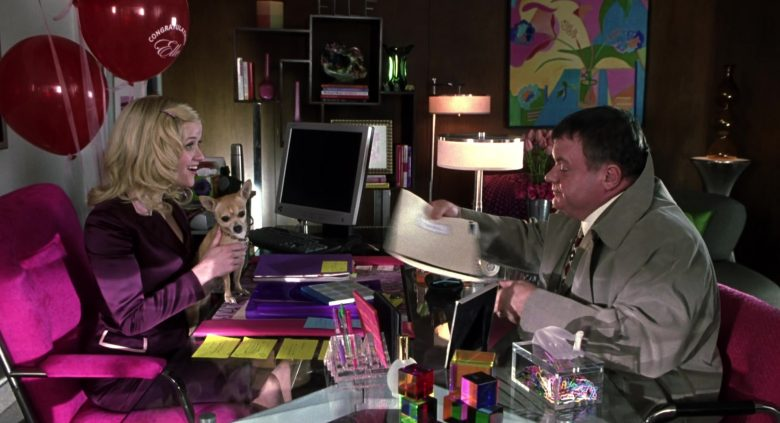 Gateway Computer Monitor Used by Reese Witherspoon as Elle Woods in Legally Blonde 2: Red, White & Blonde (2003) - Movie Product Placement