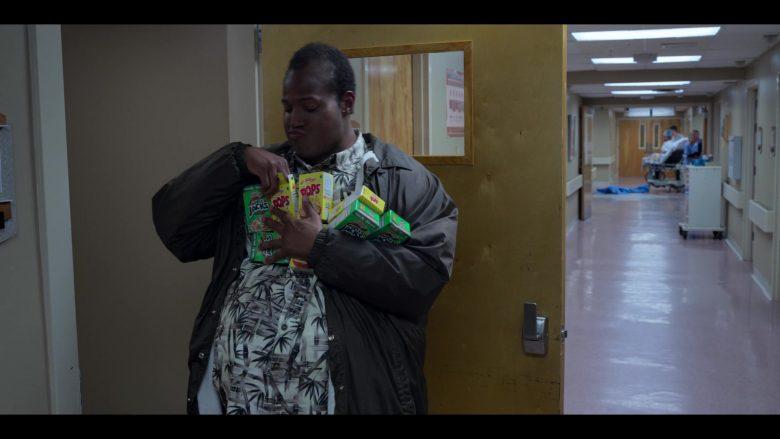 Kellogg's Apple Jacks & Kellogg's Corn Pops Held by Marlon Wayans in Sextuplets (2019) - Movie Product Placement