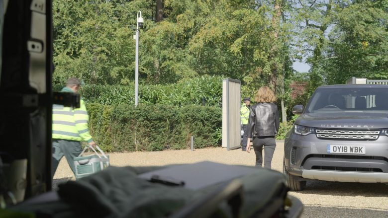 Land Rover Discovery Car in The Rook - Season 1, Episode 8, Chapter 8 (2019) - TV Show Product Placement