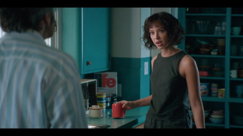 """Life Cereal & Maxwell House Coffee in Glow - Season 3, Episode 7, """"Hollywood Homecoming"""" (2019) - TV Show Product Placement"""