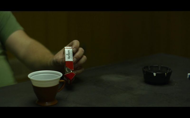 Marlboro Cigarettes in Mindhunter – Season 2, Episode 7 (1)