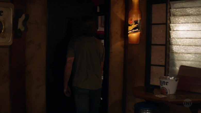 Miller Genuine Draft and Lite Beer in Animal Kingdom - Season 4, Episode 13, Smurf (2019) - TV Show Product Placement