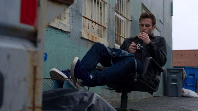 """Nike Blue Shoes in 13 Reasons Why - Season 3, Episode 9, """"Always Waiting for the Next Bad News"""" (2019) - TV Show Product Placement"""