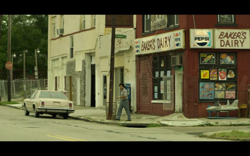 Pepsi Signs in Mindhunter (2)
