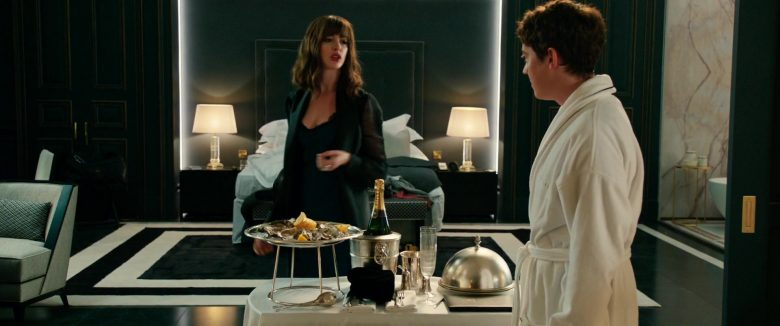 Piper-Heidsieck Champagne Enjoyed by Anne Hathaway & Alex Sharp in The Hustle (2019) - Movie Product Placement