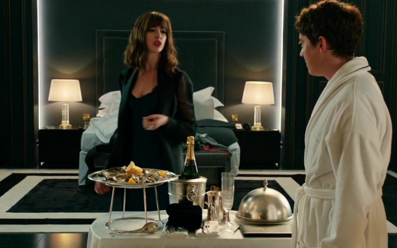 Piper-Heidsieck Champagne Enjoyed by Anne Hathaway & Alex Sharp in The Hustle (2)