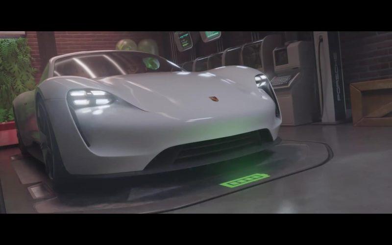 Porsche Mission E White Sports Car in Playmobil The Movie (1)