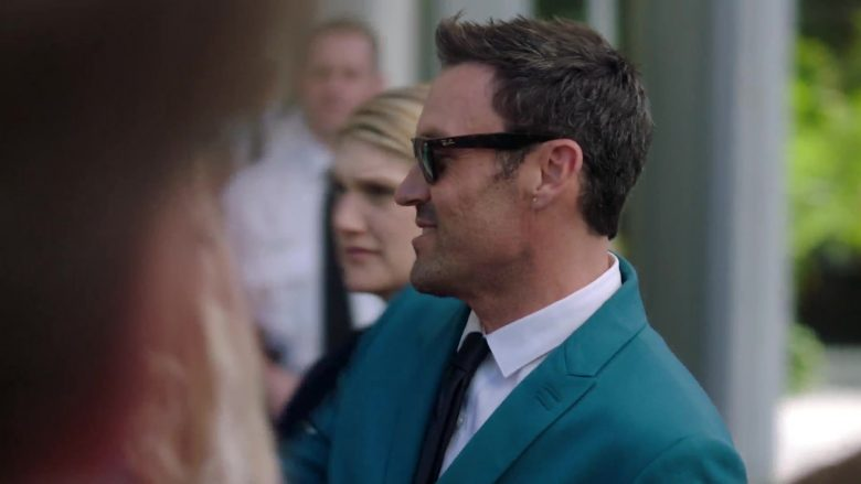 """Ray-Ban Men's Sunglasses in BH90210 - Season 1, Episode 2, """"The Pitch"""" (2019) - TV Show Product Placement"""