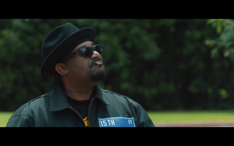 Ray-Ban Sunglasses in Countdown by Snoop Dogg feat. Swizz Beatz
