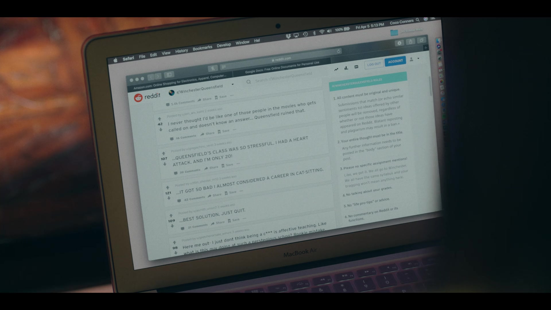 Reddit and MacBook Air in Dear White People - Season 3, Episode 5