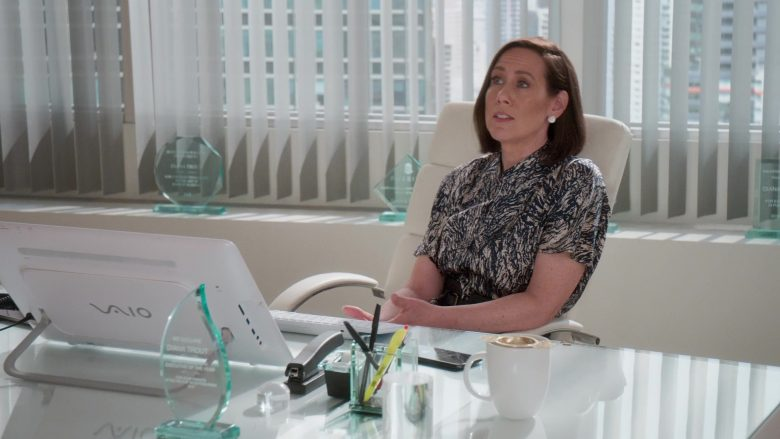 Sony Vaio Computer Used by Miriam Shor in Younger - Season 6, Episode 8, The Debu-taunt (2019) - TV Show Product Placement