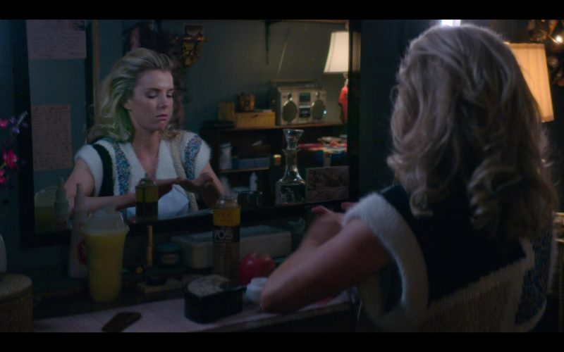 VO5 Hairspray Used by Betty Gilpin as Debbie 'Liberty Belle' Eagan in Glow (1)