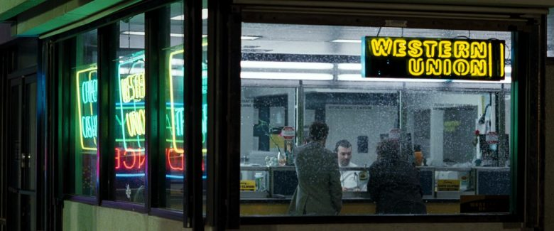 Western Union in Due Date (2010) - Movie Product Placement