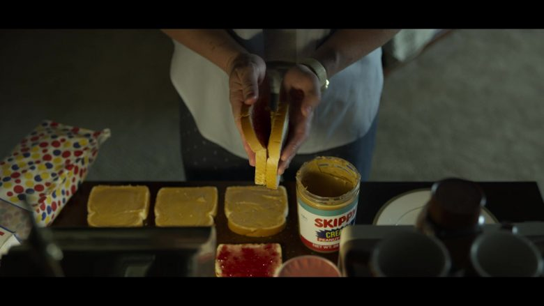 Wonder Bread and Skippy Peanut Butter in Mindhunter - Season 2, Episode 8 (2019) - TV Show Product Placement