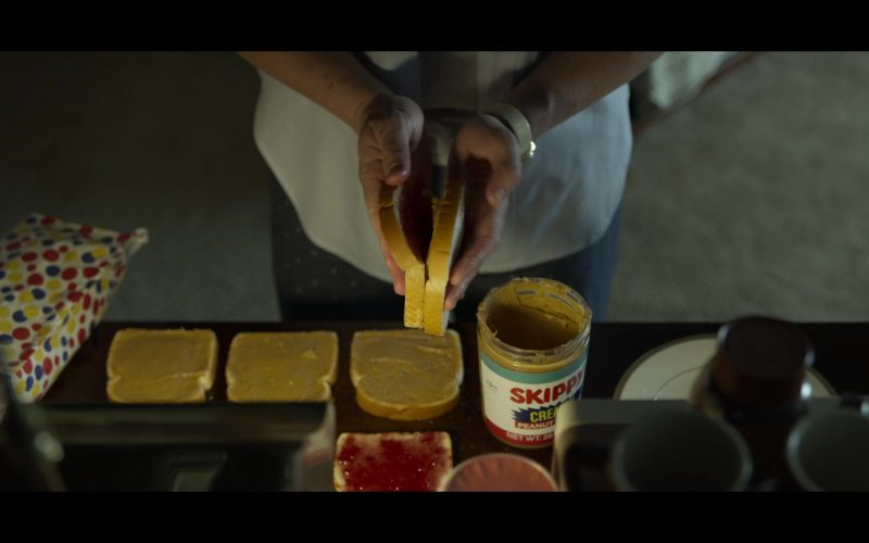 Wonder Bread and Skippy Peanut Butter in Mindhunter (1)