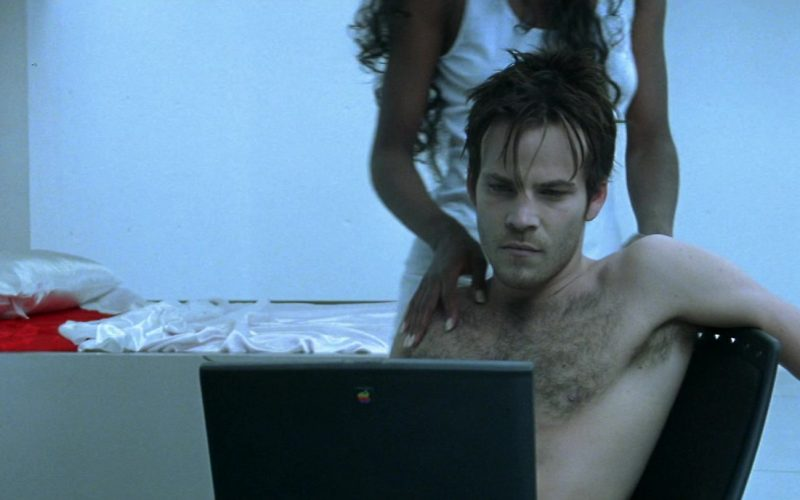 Apple Laptop Used by Stephen Dorff in Blade (2)