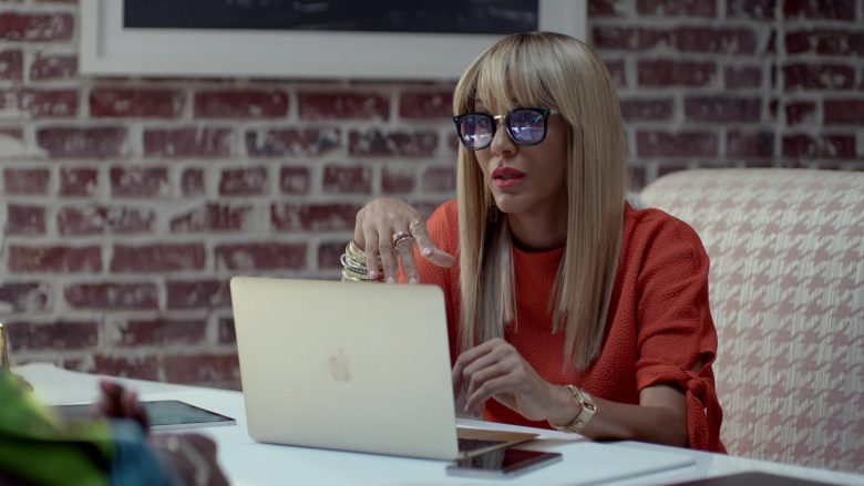 Apple MacBook Laptop Used by Nicole Ari Parker in Empire (4)