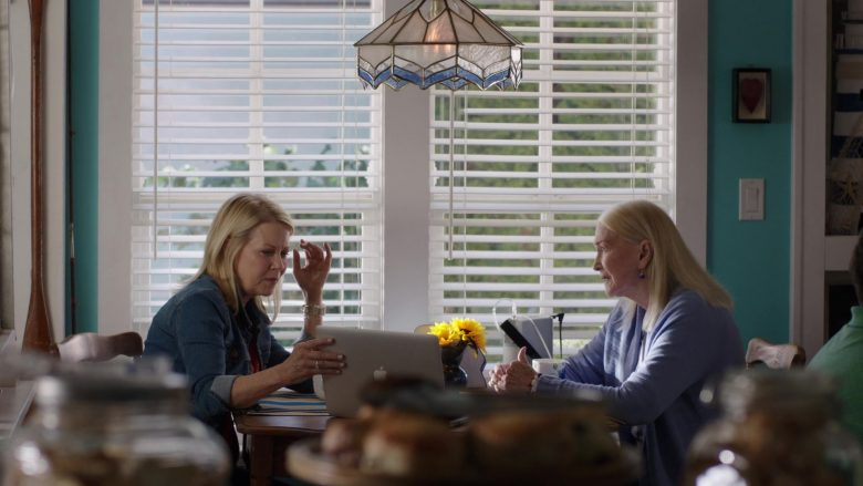 "Apple MacBook Laptop in Chesapeake Shores - Season 4, Episode 3, ""A Sonnet for Caroline"" (2019) TV Show"