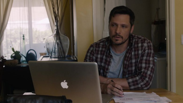 Apple MacBook Laptop in This Is Us (1)