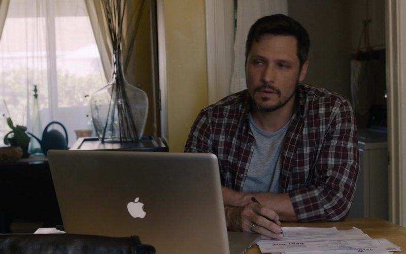Apple MacBook Laptop in This Is Us (1)